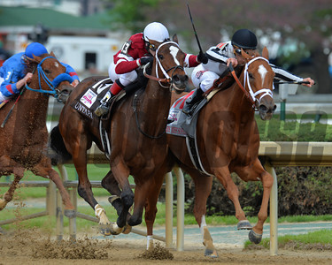 Rose Napravnik on Untapable in the 140th Longines Kentucky Oaks at Churchill Downs. Courtney V. Bearse Photo