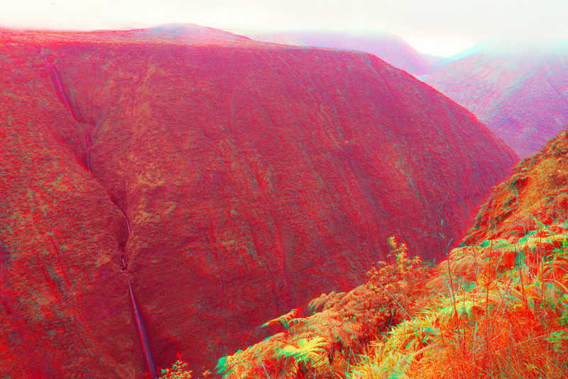 3D image of the back of Waipio Valley from White Road.