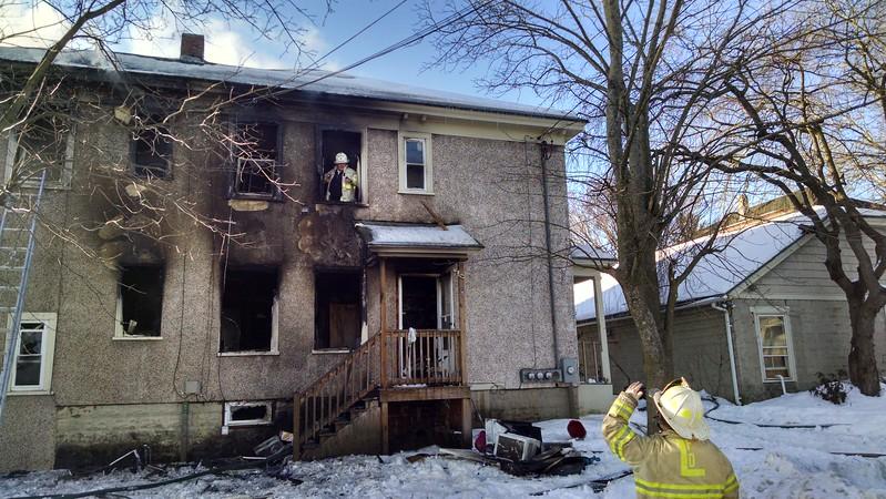 Three-alarm Lowell fire. SUN/Dan Phelps