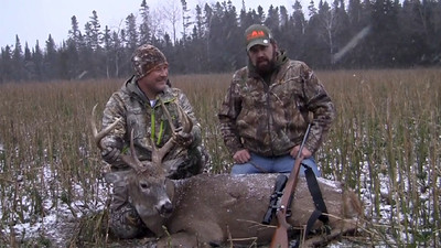 J.J Meeks hunt at Three Lakes Trophy Ranch , Wisconsin with Big E Outdoors  JJ makes a great shot and drops his buck in it's tracks.