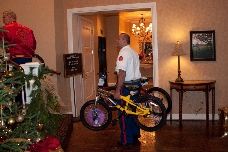 Thankfully, Ron Zeiler and his fellow Marines were on hand and ready to help us offload. The bikes needed to be carried up a spiral staircase to the ballroom. It was actually easier than using the elevator.
