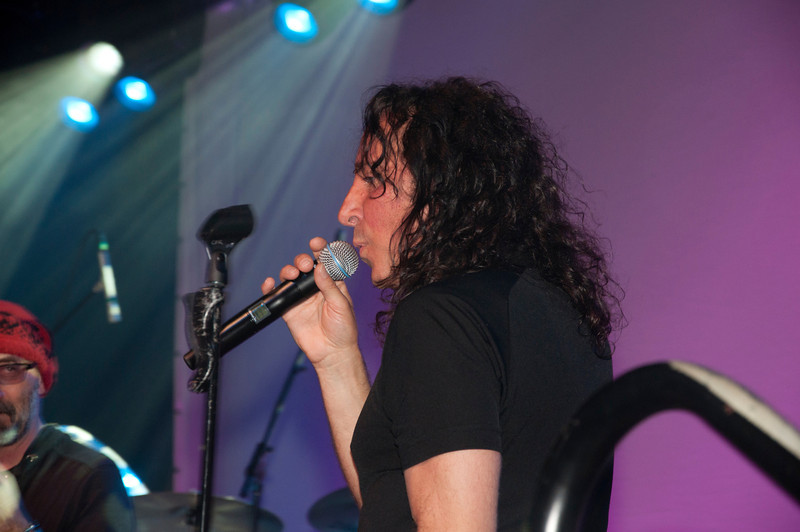 Steve Augeri of the Hit Men All Stars. Augeri was the lead singer for Journey from 1998-2006.