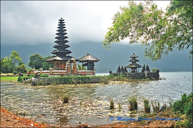 Pura Ulun Danu Bratan (Temple by the Lake)