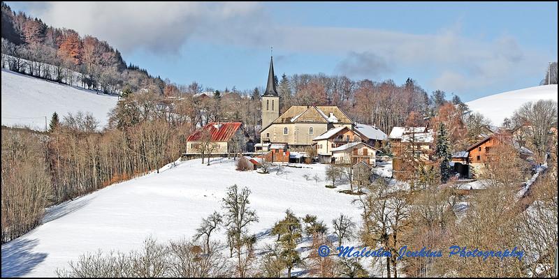 Alpine Village / Village Alpin