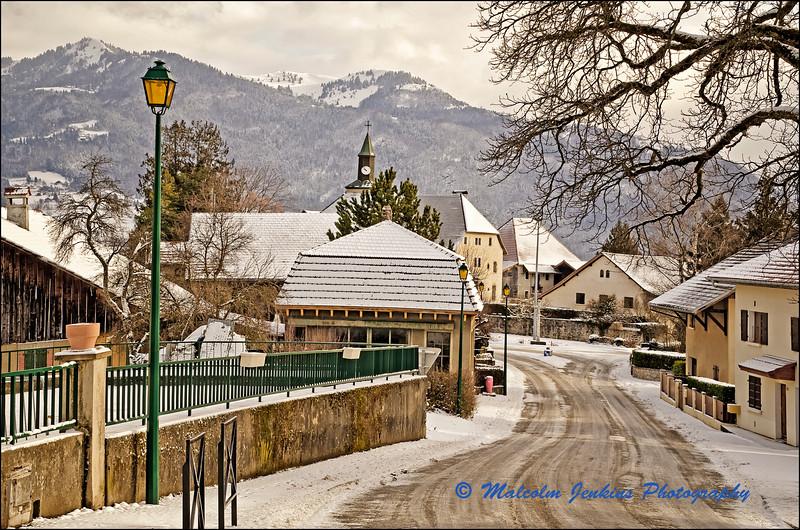 Peillonnex: Road to the Church / Peillonnex: La Route à l'Eglise