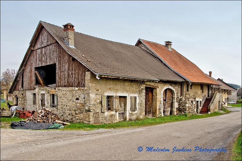 Old Farm House / L'Ancienne Ferme