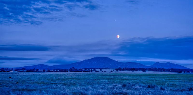 Lunar Eclipse over Mount Langi