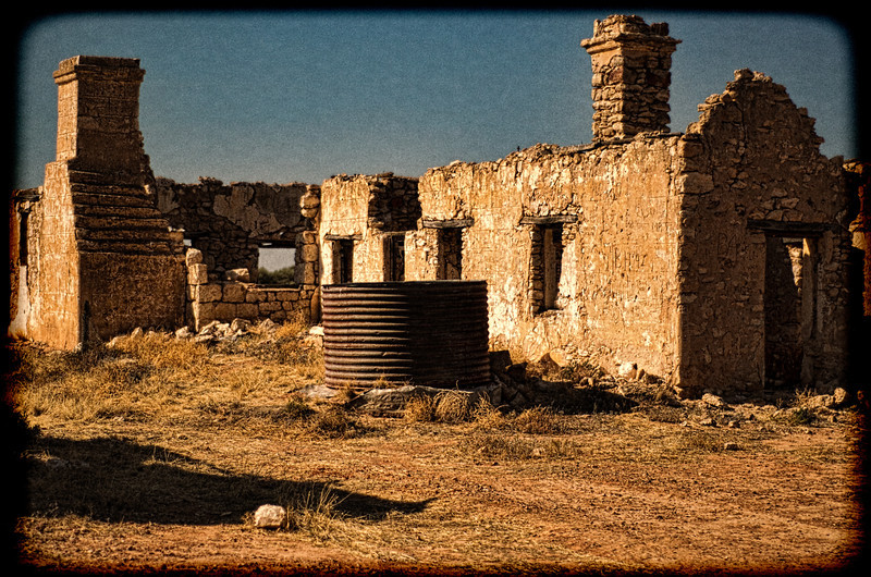 Farmhouse ruin in Outback