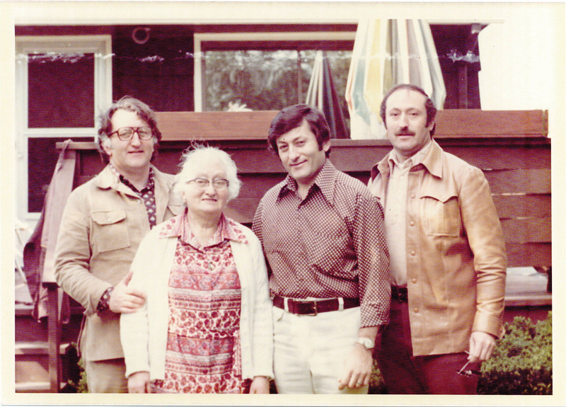 Philip with his mother, Pauline Weiss Pumerantz, and brothers Howard and Gilbert, late 1970s