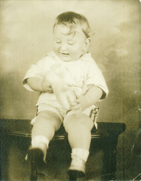 Baby photo of Philip Pumerantz, 1933