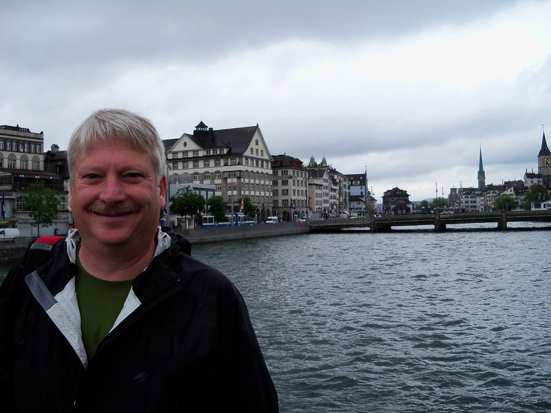 Bob, crossing the Limmat River in Zürich