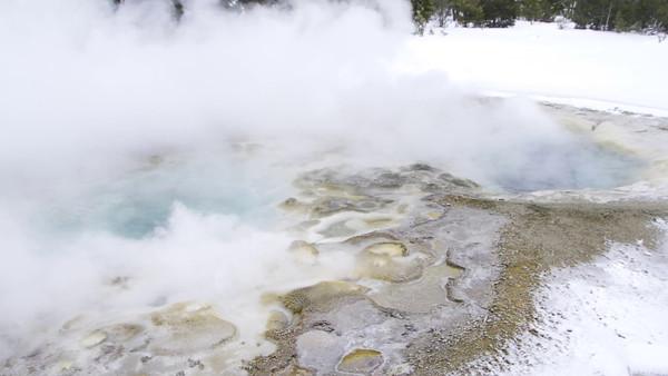 Yellowstone  in Feb
