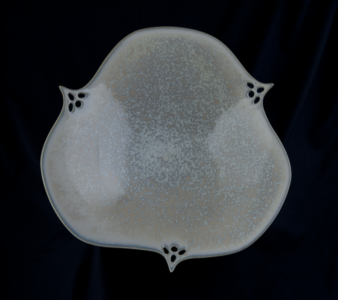 Judi Dyelle, Trillium form bowl, 2010, porcelain, glaze, micro crystalline, 5.3 x 25 cm, Purchased with funds from Ann Gibson