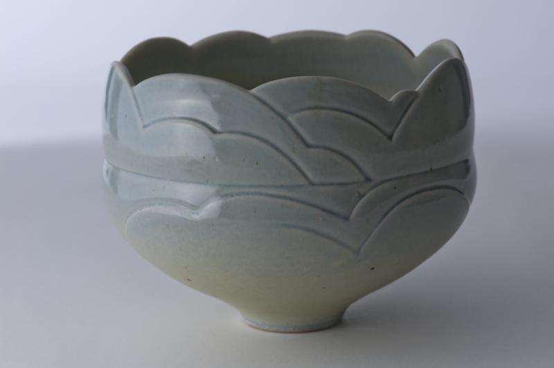 Byron Johnstad, Carved stoneware bowl, 1977-1982, stoneware, glaze, light blue cobalt, 16.8 x 22.3 cm, George & Lola Kidd Purchase Fund