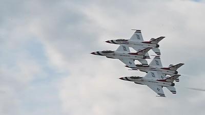 Thunderbirds Diamond, Echelon, and Calypso Passes SloMo