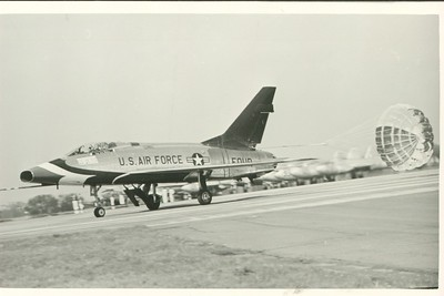 Thunderbirds F-100D FOUR landing