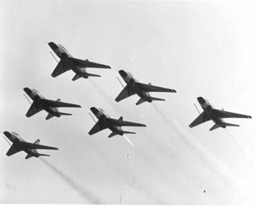 Thunderbirds F-100D 6 ship formation_2_bw