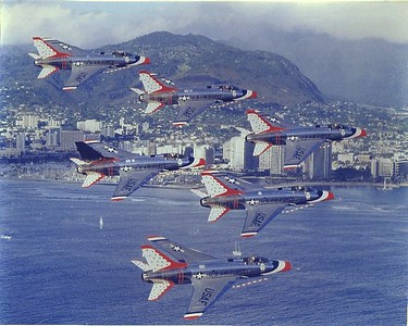 Thunderbirds F-100Ds over Waikiki 1968