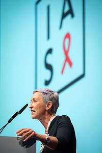 22nd International AIDS Conference (AIDS 2018) Amsterdam, Netherlands.   Copyright: Steve Forrest/Workers' Photos/ IAS  Photo shows: Linda-Gail Becker, IAS President, delivering the welcome during the IAS Members' Meeting.
