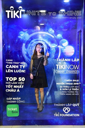 TiKi-Year-End-Party-2020-instant-print-photobooth-in-Ha-Noi-Chup-hinh-lay-lien-su-kien-Ha-Noi-WefieBox-Photobooth-Vietnam-_9
