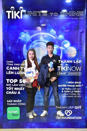 TiKi-Year-End-Party-2020-instant-print-photobooth-in-Ha-Noi-Chup-hinh-lay-lien-su-kien-Ha-Noi-WefieBox-Photobooth-Vietnam-_88