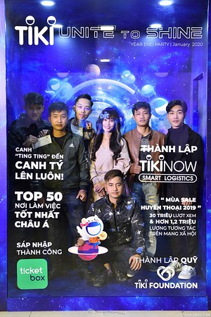 TiKi-Year-End-Party-2020-instant-print-photobooth-in-Ha-Noi-Chup-hinh-lay-lien-su-kien-Ha-Noi-WefieBox-Photobooth-Vietnam-_6
