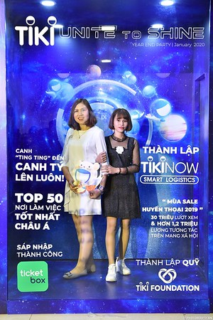 TiKi-Year-End-Party-2020-instant-print-photobooth-in-Ha-Noi-Chup-hinh-lay-lien-su-kien-Ha-Noi-WefieBox-Photobooth-Vietnam-_56