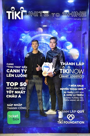 TiKi-Year-End-Party-2020-instant-print-photobooth-in-Ha-Noi-Chup-hinh-lay-lien-su-kien-Ha-Noi-WefieBox-Photobooth-Vietnam-_77