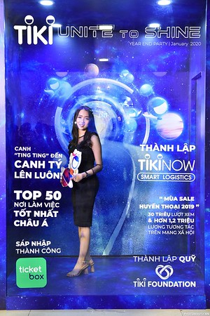 TiKi-Year-End-Party-2020-instant-print-photobooth-in-Ha-Noi-Chup-hinh-lay-lien-su-kien-Ha-Noi-WefieBox-Photobooth-Vietnam-_7