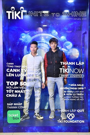 TiKi-Year-End-Party-2020-instant-print-photobooth-in-Ha-Noi-Chup-hinh-lay-lien-su-kien-Ha-Noi-WefieBox-Photobooth-Vietnam-_93