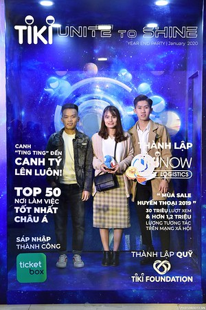TiKi-Year-End-Party-2020-instant-print-photobooth-in-Ha-Noi-Chup-hinh-lay-lien-su-kien-Ha-Noi-WefieBox-Photobooth-Vietnam-_83