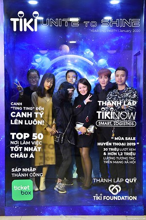 TiKi-Year-End-Party-2020-instant-print-photobooth-in-Ha-Noi-Chup-hinh-lay-lien-su-kien-Ha-Noi-WefieBox-Photobooth-Vietnam-_87