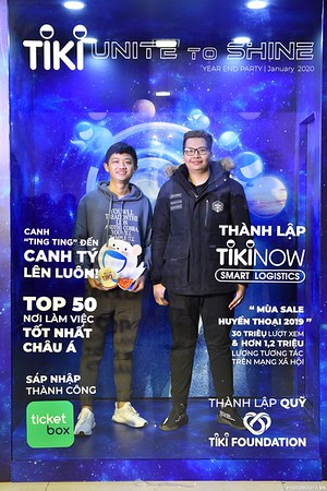 TiKi-Year-End-Party-2020-instant-print-photobooth-in-Ha-Noi-Chup-hinh-lay-lien-su-kien-Ha-Noi-WefieBox-Photobooth-Vietnam-_78