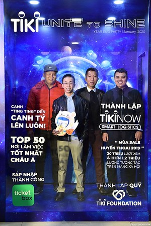 TiKi-Year-End-Party-2020-instant-print-photobooth-in-Ha-Noi-Chup-hinh-lay-lien-su-kien-Ha-Noi-WefieBox-Photobooth-Vietnam-_81