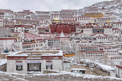 Ganden Monastery in Snow