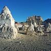 Ездили сегодня смотреть древние пещерные города. В более поздние времена 10-11 века здесь были мощные центры буддизма. Здесь в Пеянге был захоронен Ринчен Цанпо - величайший мастер и переводчик
