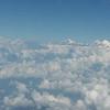 Перелет из Катманду в Бхадрапур на восток Непала. Опять удачные достались места - неожиданно над слоем облаков виднелся опять Эверест (1фото, между двумя треуголниками облаков) и Канченжанга (на горизонте над правым облаком). Так что первая визуальная встреча состоялась! Надеюсь что и дальнейший путь к ее подножию будет в сопровождении удачи!