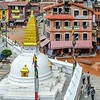 Долгий путь к Кайласу начался в Катманду, столице Непала. В Катманду впервые собралась вся группа. Главной целью для нас стал буддийский комплекс ступы Боднатх, построенной в VI веке. Здесь мы получили благословение на Кору.<br /> (Непал, Катманду, ступа Боднатх, фото 30 июня 2014 года)