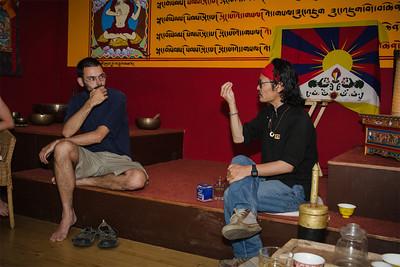 Setkání a diskuse s Tenzinem Tsundue.