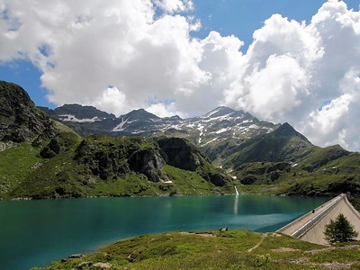 Zott lake and its dam. Source: ticino.ch