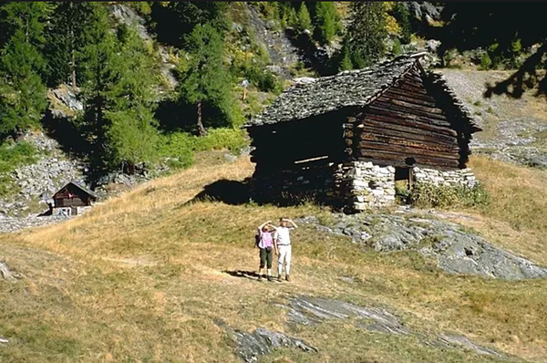 Some of the old huts encountered along the way to Lago di Mognola. Source: myswitzerland.com