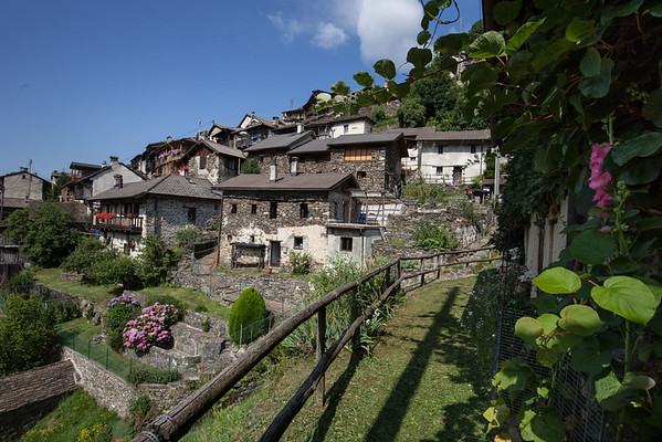 The village of Indemini. Source: www.ticinotopten.ch