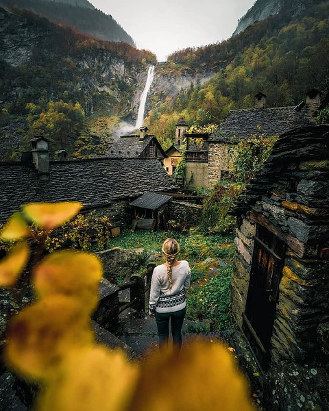 The town of Foroglio and the same-named waterfall. Source: @giuliogroebert