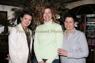IMG_8699 Paoola Sefair,Lee Ann Park & Maria Sefair