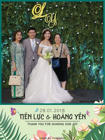 Tien-Luc-Hoang-Yen-Wedding-photobooth-instant-print-chup-anh-lay-lien-su-kien-tiec-cuoi-007