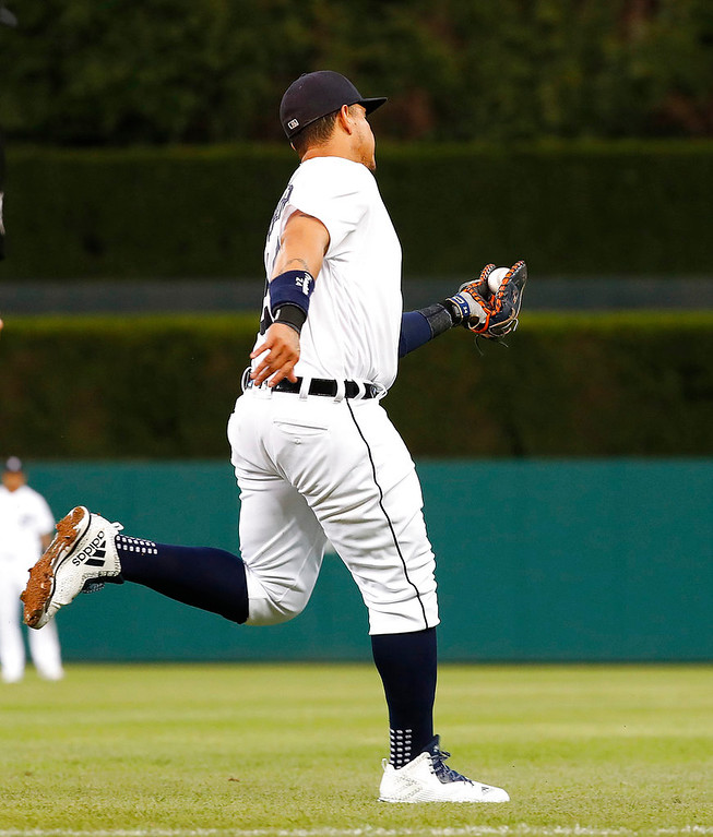 . Detroit Tigers first baseman Miguel Cabrera catches a Toronto Blue Jays\' Kevin Pillar fly ball in shallow right field in the sixth inning of a baseball game in Detroit, Friday, June 1, 2018. (AP Photo/Paul Sancya)