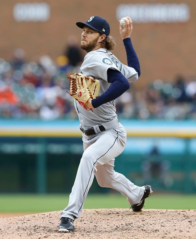 . Seattle Mariners relief pitcher Erik Goeddel throws during the eighth inning of game one of a baseball doubleheader against the Detroit Tigers, Saturday, May 12, 2018, in Detroit. (AP Photo/Carlos Osorio)
