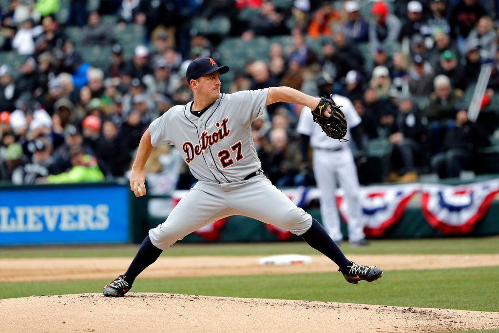 . Detroit Tigers starter Jordan Zimmermann throws against the Chicago White Sox during the first inning of the Chicago White Sox season home opening baseball game Thursday, April 5, 2018, in Chicago. (AP Photo/Nam Y. Huh)