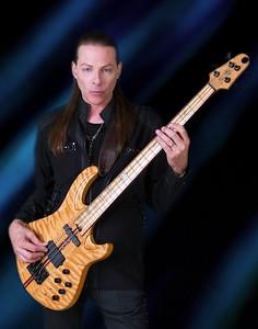 9R2A2424-NFCrop-Bass