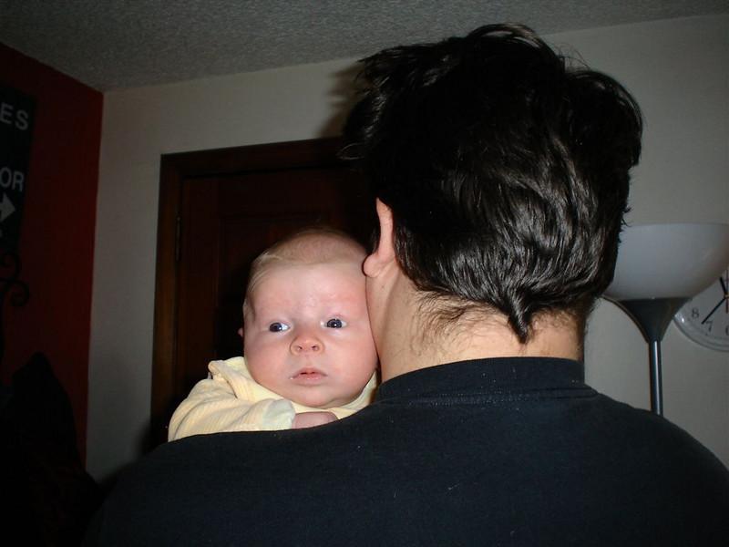 Auf Papas Schulter